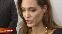 Anđelina Džoli odstranila dojke